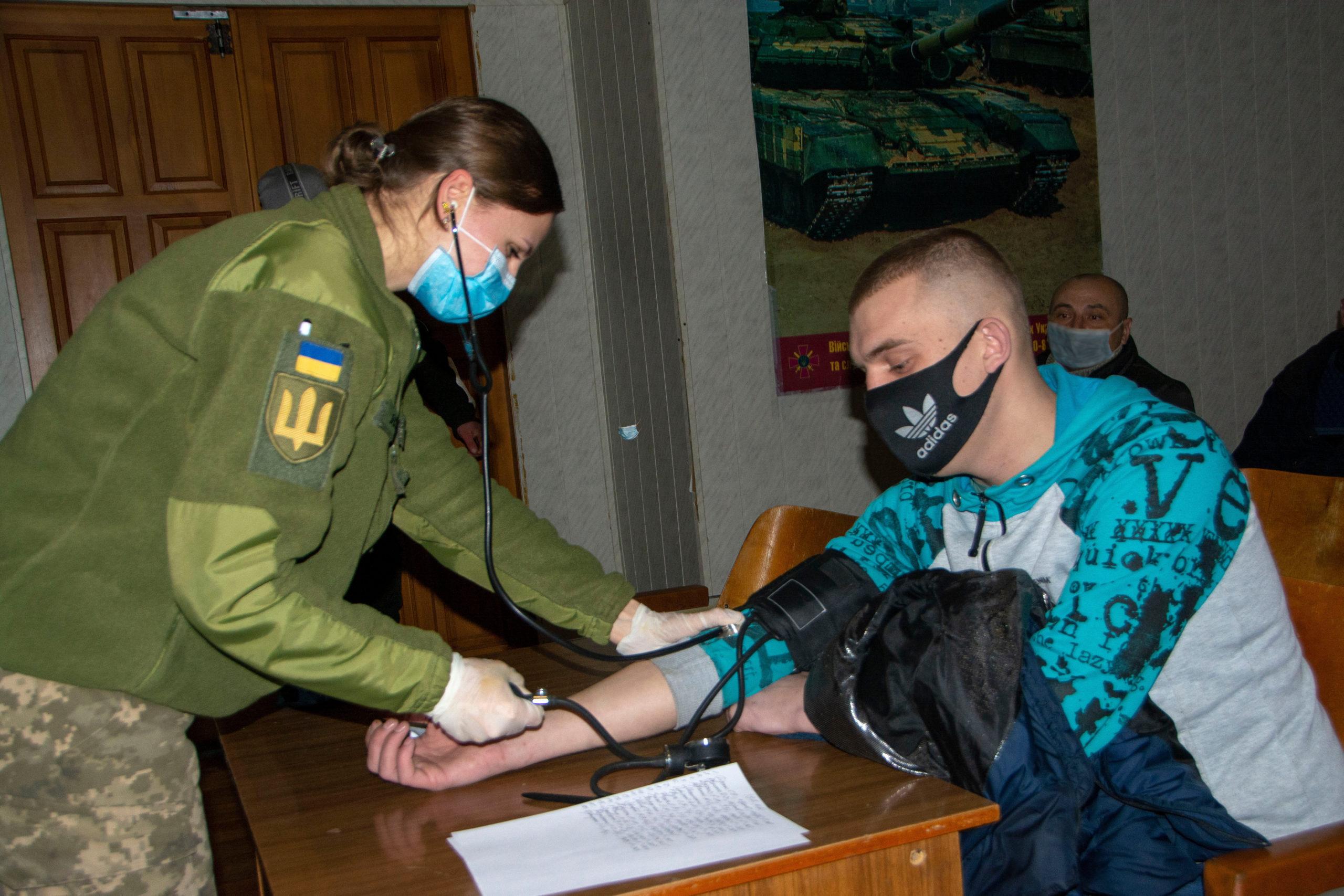 Територіальні центри комплектування та соціальної підтримки продовжують заходи з підготовки оперативного резерву.