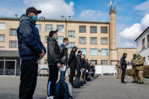 У Полтавській області почалися відправки призовників до навчальних центрів та військових частин.