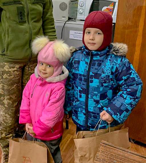 Діти Полтавщини отримали подарунки у рамках благодійної акції «Свята без тата».