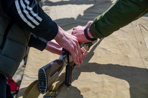Понад 4 тисячі школярів випускних класів з усієї Полтавської області відпрацьовували вправу навчальних стрільб.